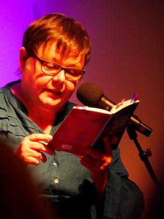 Ahima Beerlage liest aus ihrem Buch »Lesbisch. Eine Liebe mit Geschichte«.
